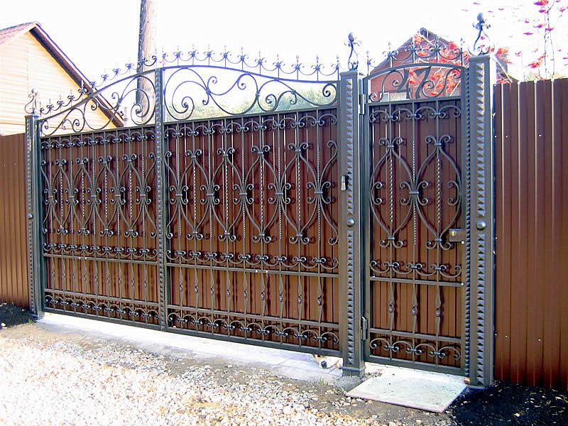 ворота фото с ковкой
