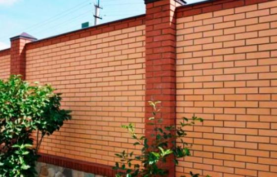 Забор из кирпича под заказ в Москве
