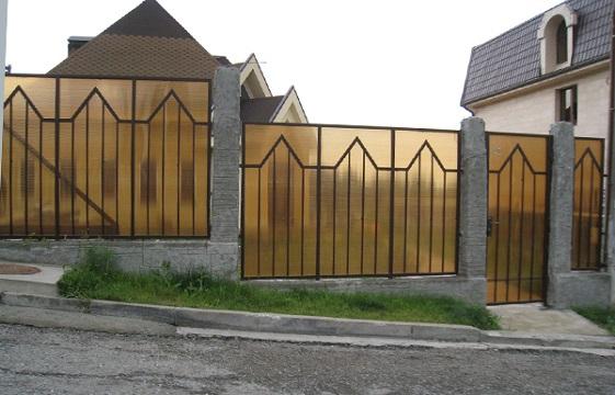 Забор из поликарбоната (поликарбонатый забор) в Москве