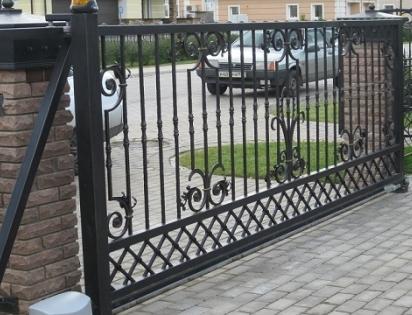 Кованые откатные ворота в Москве