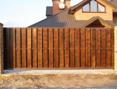 Деревянные откатные ворота по цене от производителя